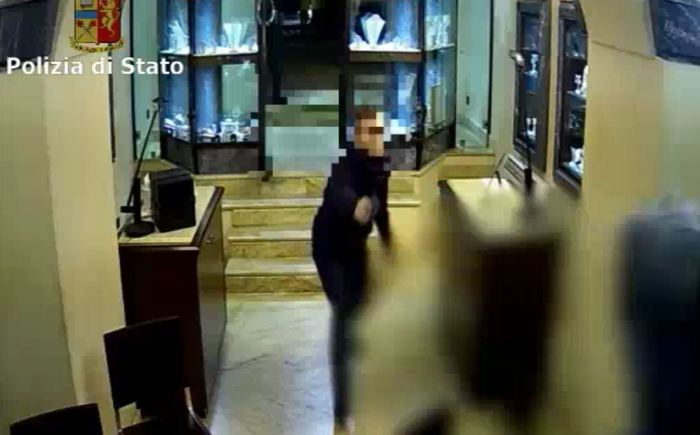 Sgominata a Catania  banda di rapinatori, 7 in carcere