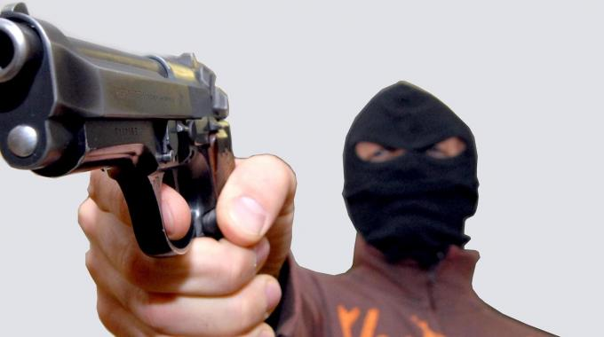 Pachino, rapina in una sala scommesse: bottino 2.000 euro