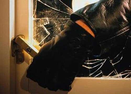 Ribera, rapina in casa ad una novantenne: rapinatori incappucciati le portano via i gioielli