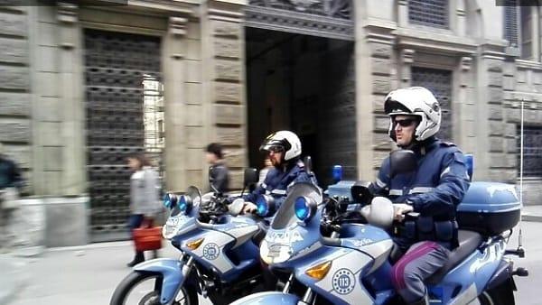 Scippa la borsa ad una turista portoghese: arrestato a Palermo