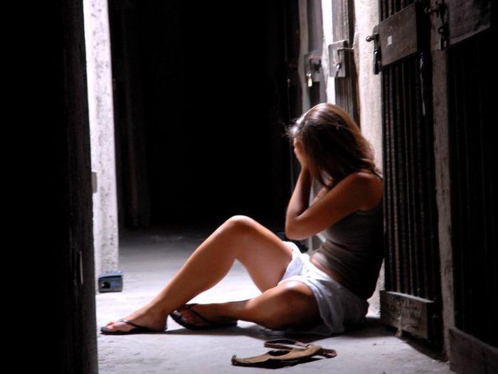 Maltratta e rapina la convivente, arrestato a Rosarno
