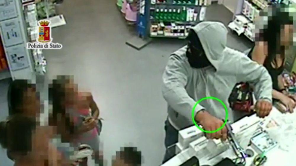 Palermo, rapinarono una farmacia: individuato uno dei ladri
