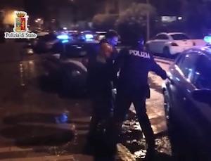 Palermo, entrano a volto coperto e rapinano una banca: due arresti