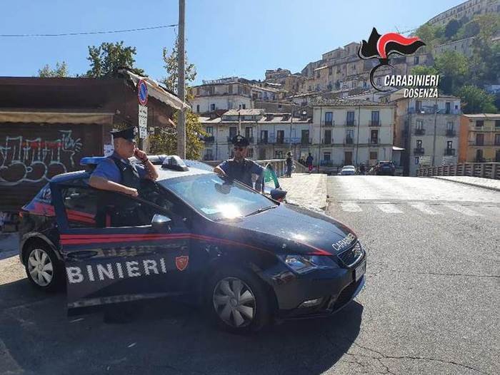 Commise una rapina in un bar di Cosenza: scoperto ed arrestato