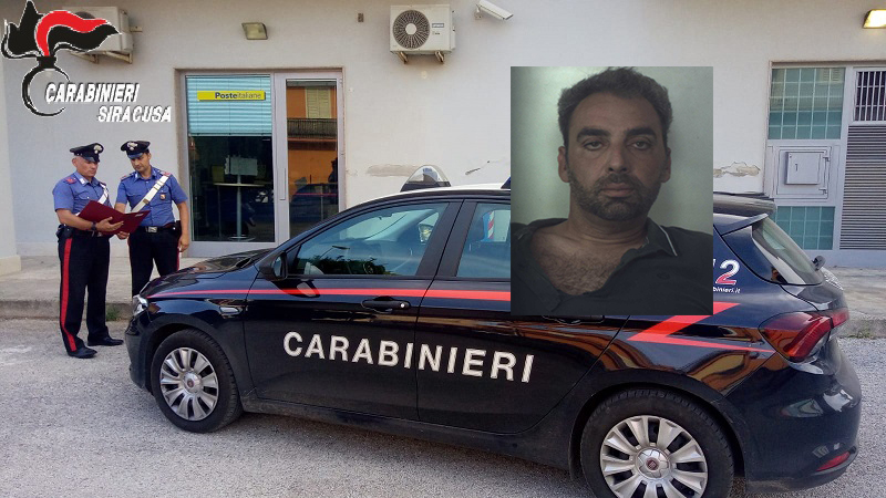 Prende due persone in ostaggio e rapina le Poste di Belvedere di Siracusa: preso il bandito