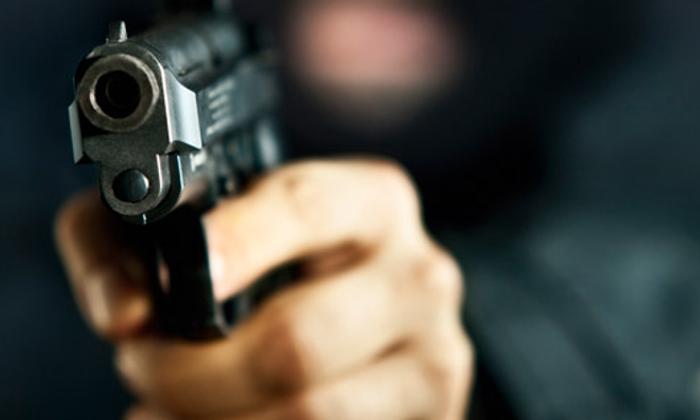 Rapinano armati e con il volto coperto un supermercato di Lentini