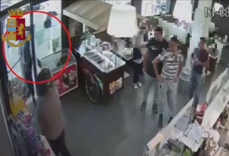 Rapinatore seriale  sparava a salve alle vittime: arrestato a Catania