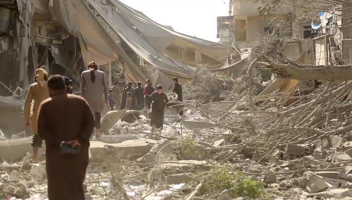 Fossa comune in Siria: 200 morti a Raqqa