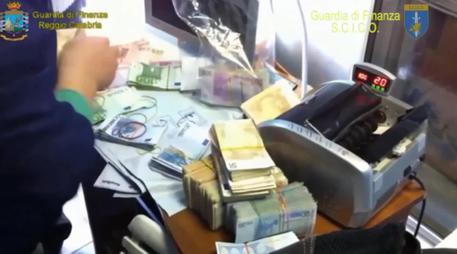 Reggio Calabria, Malta estrada l'imprenditore del gioco d'azzardo Ricci