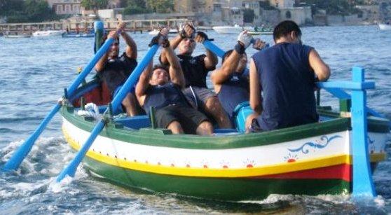 Domenica alle 17 la classica regata a Siracusa dei quartieri storici