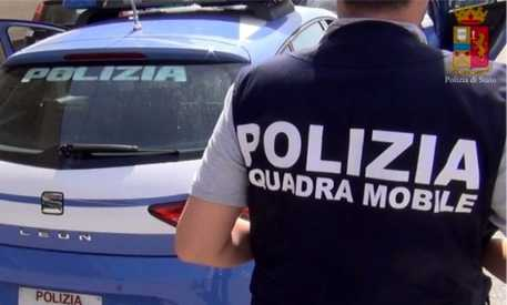 Reggio Calabria, abusa di una bimba di 8 anni: arrestato 75enne
