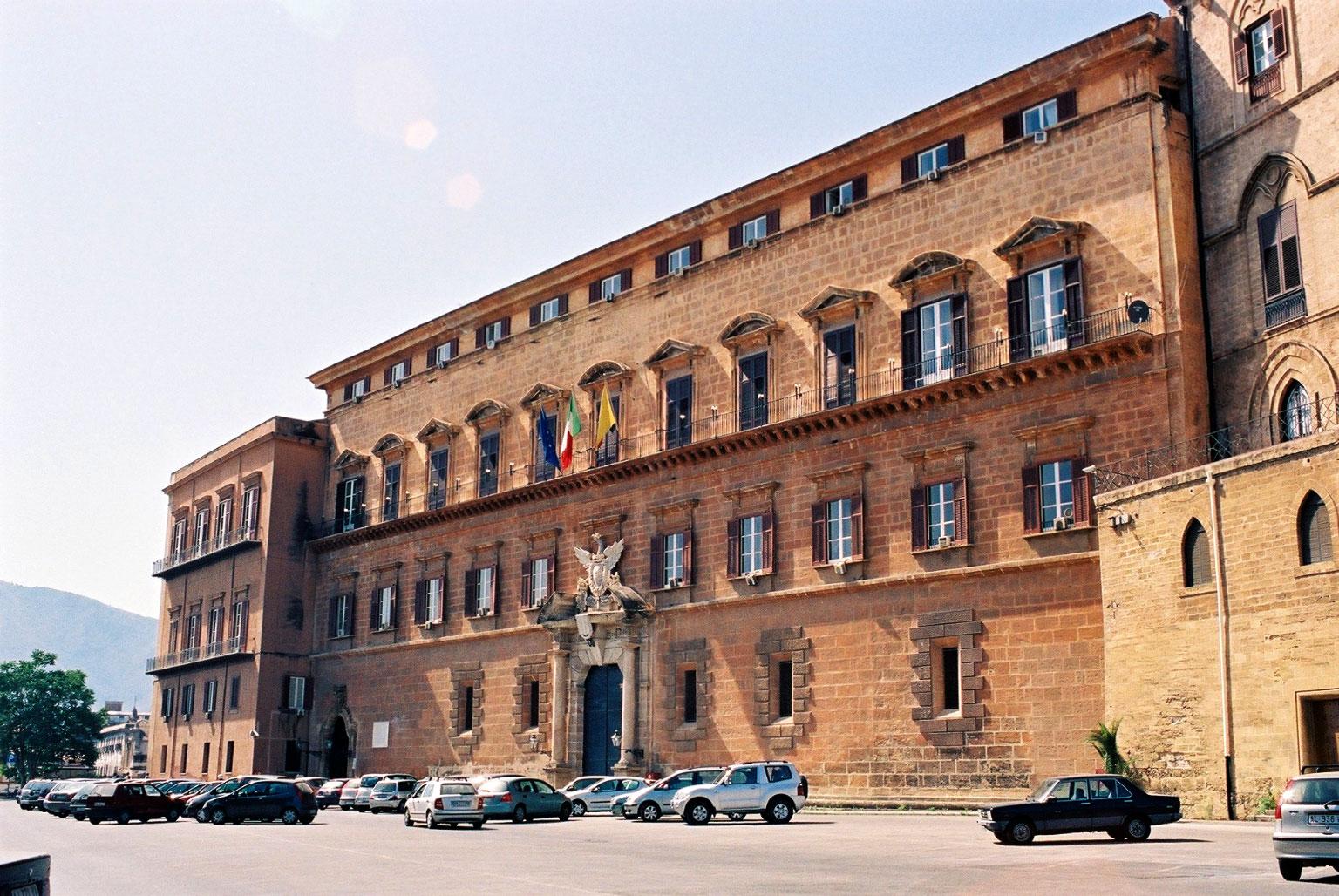"""Palermo, vitalizi d'oro a ex deputati ed eredi: """"Un Ddl per tagliarli"""""""