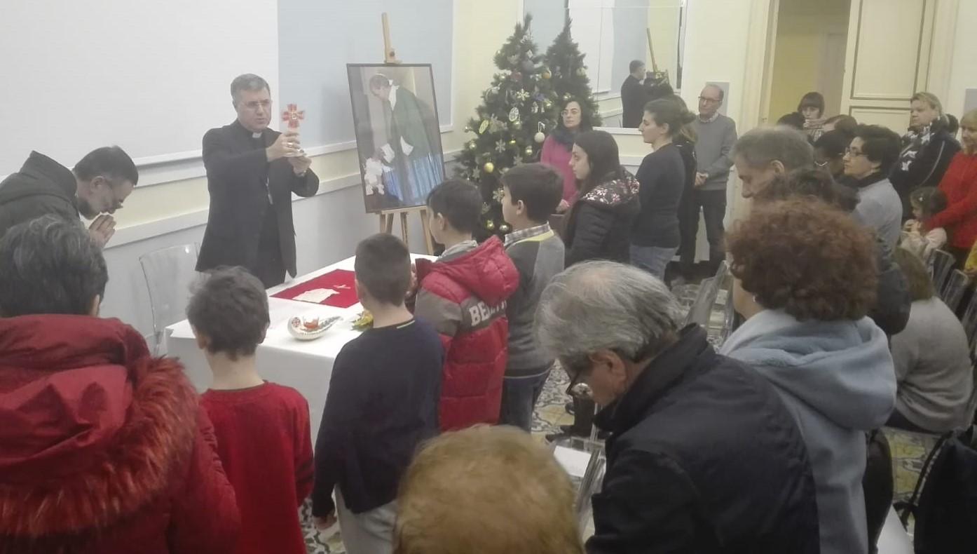 Modica, l'arcivescovo di Palermo dona alla città una reliquia con il sangue di don Puglisi