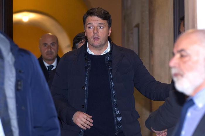 """Pd, Renzi: """"Basta pretesti e nessuna scissione, discutiamo"""""""
