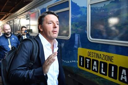 Pd, cambio di programma per Renzi: domani alle 15 a Catania