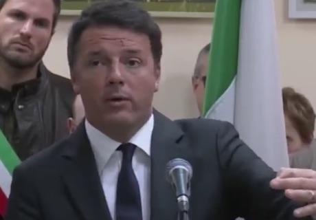 Pd, Renzi contestato a Parma dai grillini