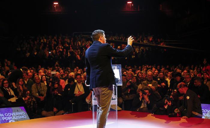 """Assemblea di Italia Viva, Renzi: """"Stabilità, non immobilismo: si va avanti fino al 2023"""""""