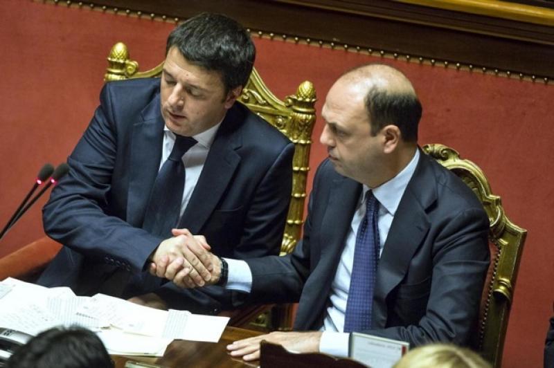 Regionali in Sicilia, il Pd propone ad Ap un'alleanza: Renzi e Alfano si riavvicinano