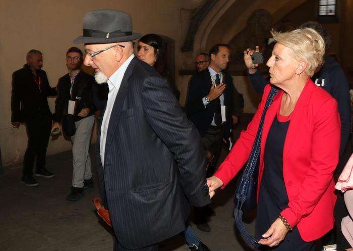 Fatture false, genitori di Renzi condannati a un anno e 9 mesi (pena sospesa)