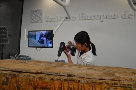 Elettroutensili 4.0 per restaurare gli oggetti di una mostra a Siracusa