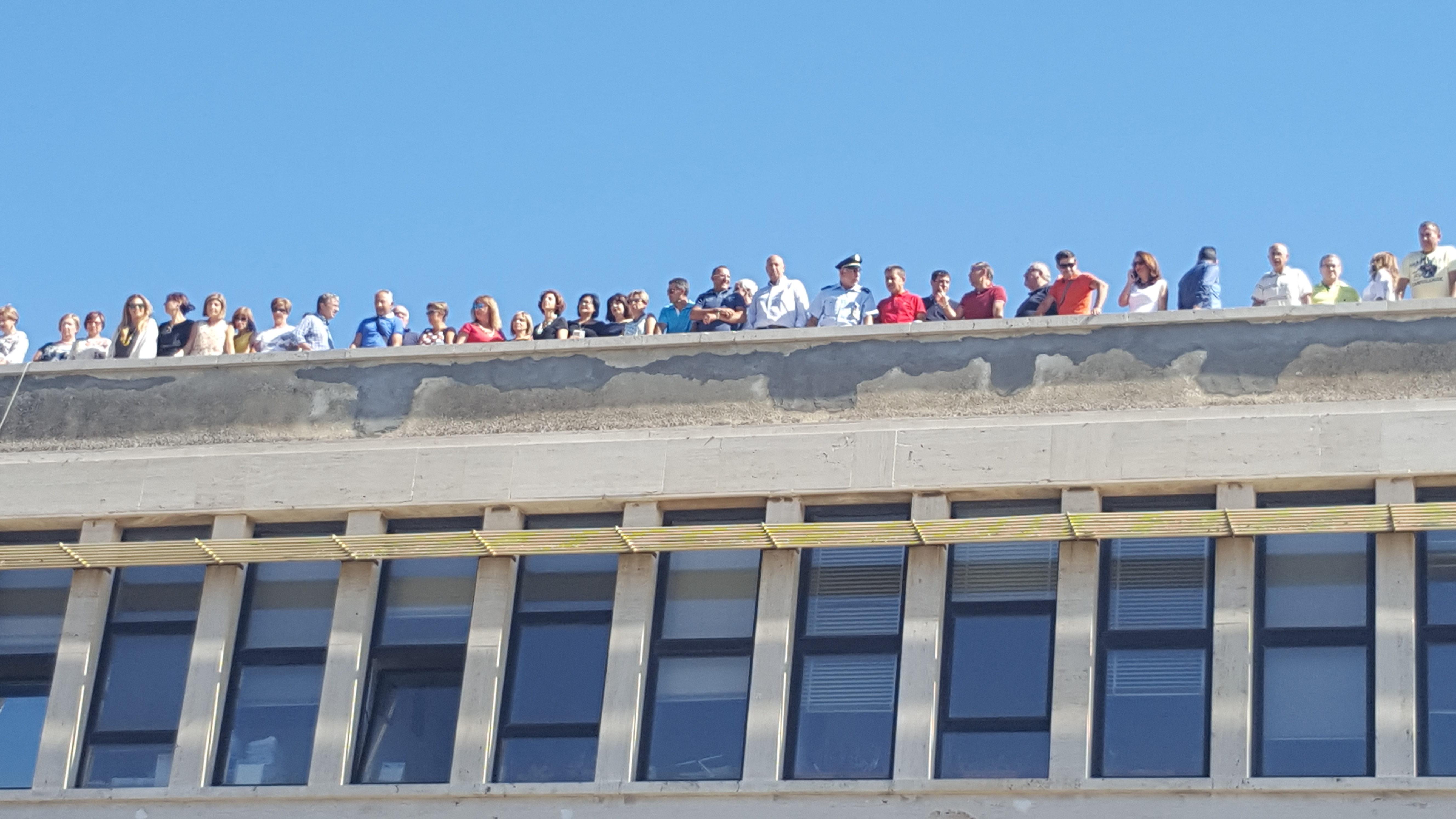 Ex Provincia di Ragusa a rischio default: dipendenti salgono sul tetto