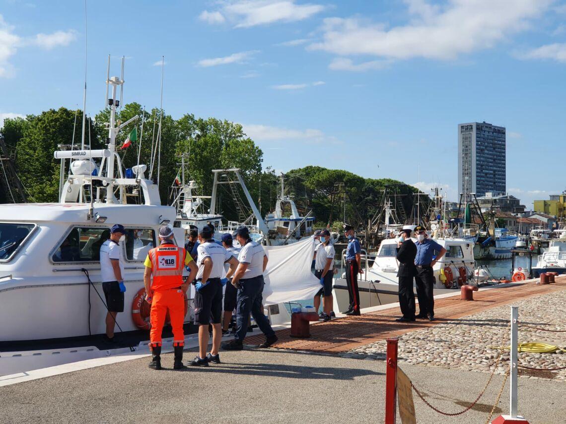 Ragazza di 17 anni muore annegata nel mare di Riccione