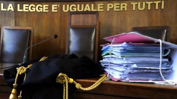 Riciclano soldi della camorra in locali alla moda a Napoli, due arresti
