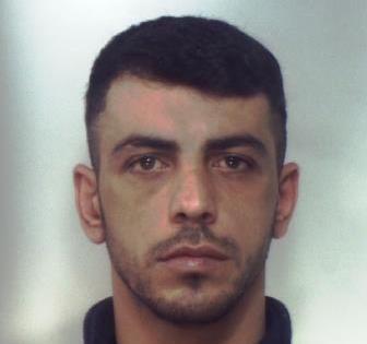 Nasconde la droga nelle scarpe, arrestato dai carabinieri di Palagonia