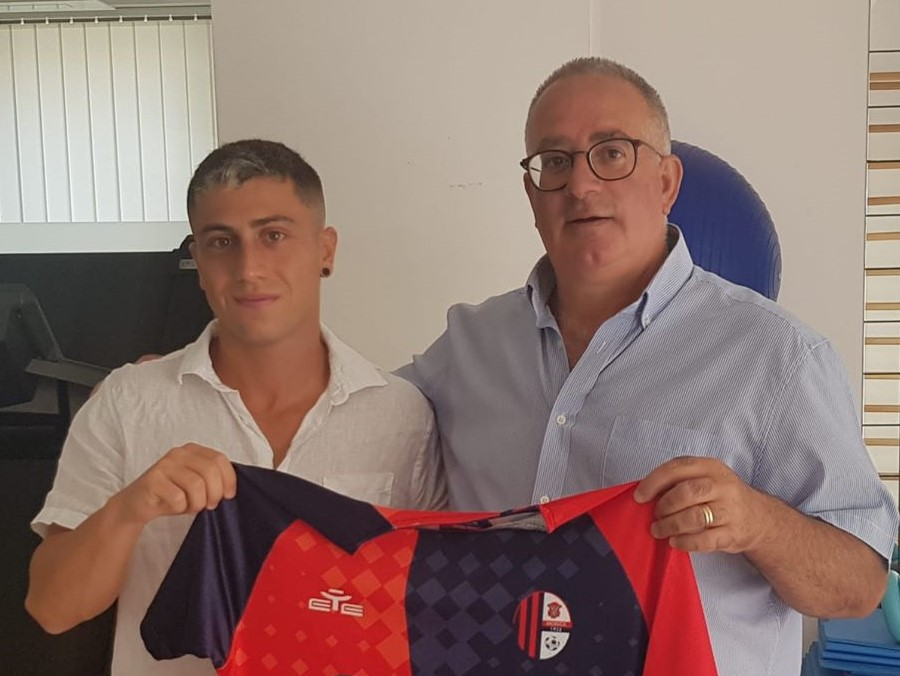 Calcio, Promozione: nuovo arrivo nel Modica, ingaggiato il fantasista Alessandro Riela