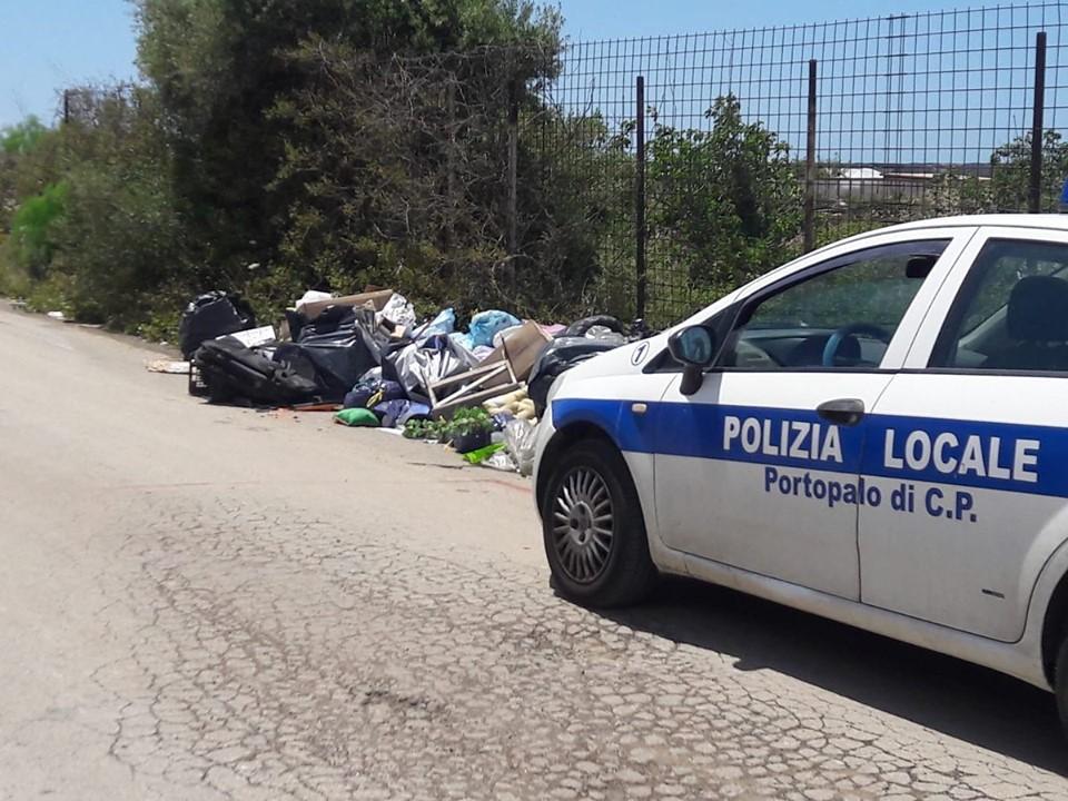 Discariche a Portopalo, l'amministrazione a caccia degli sporcaccioni