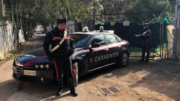 Sorpresi mentre bruciano rifiuti a Palermo: scattano quattro arresti