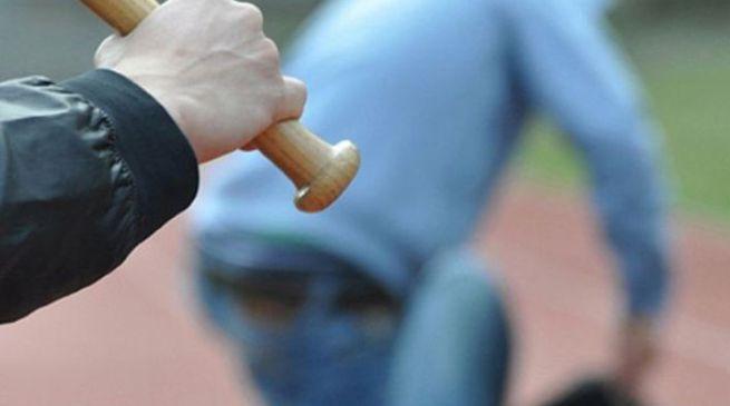 Rifiuti, netturbino aggredito con un bastone a Siracusa: una denuncia