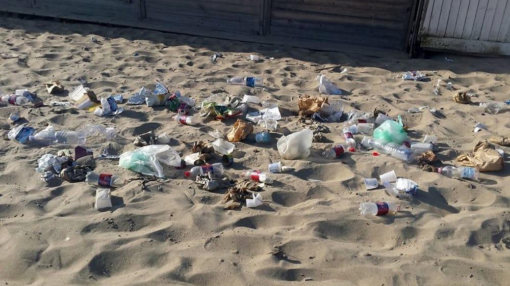 Rifiuti, volontari ripuliscono il borgo marinaro Ognina