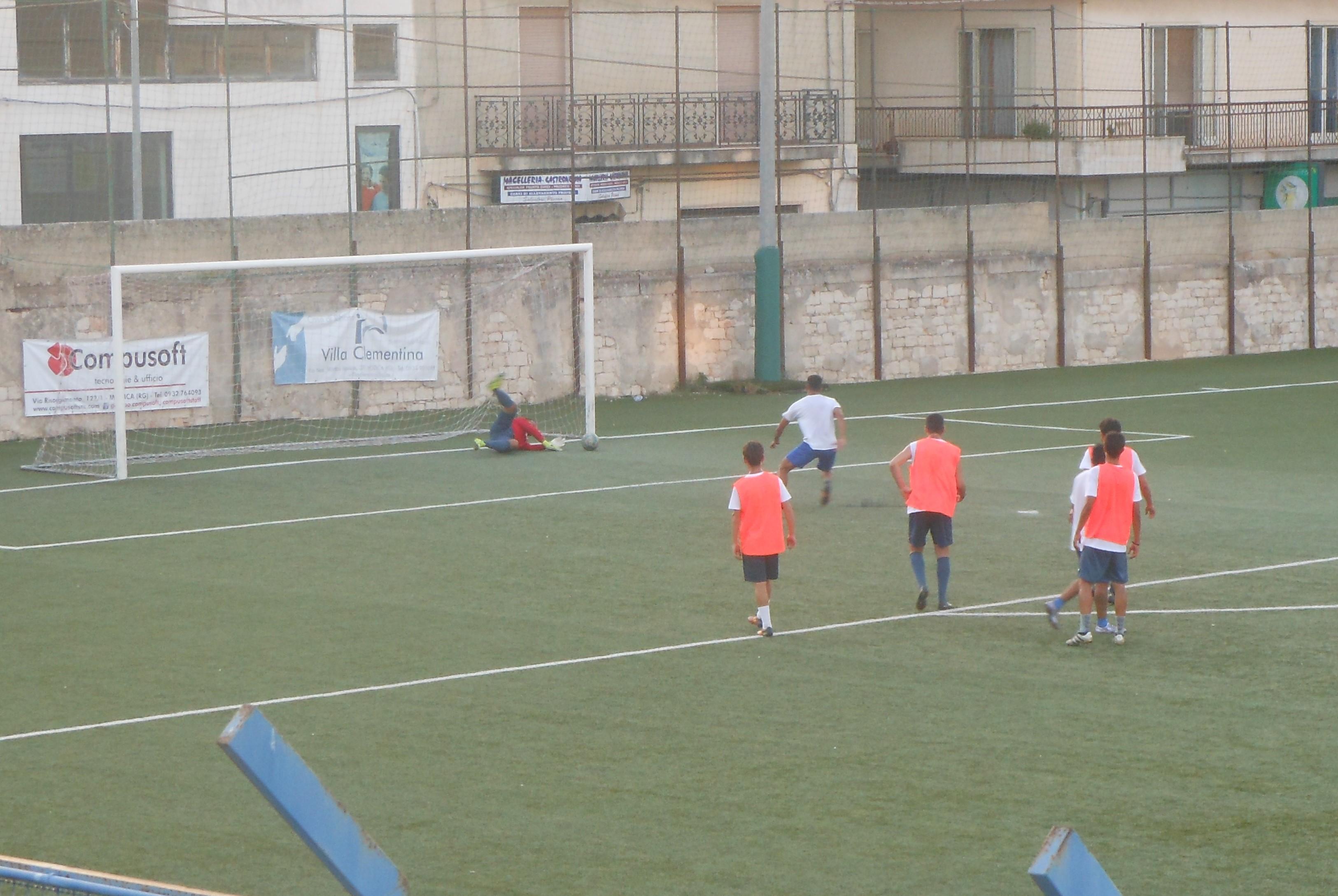 Calcio, il Modica batte in amichevole il Città di Ragusa: 5 a 3 il finale
