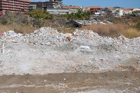 Catania, scoperta una cava-discarica in pieno centro
