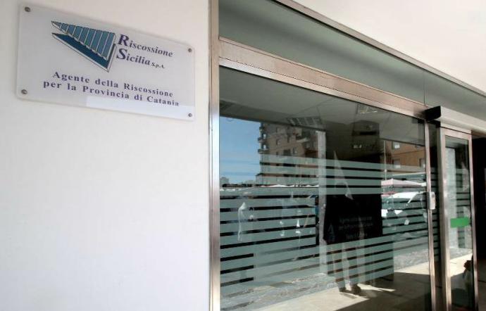 Palermo, si appropria incassi di Riscossione Sicilia: sospesa per un anno