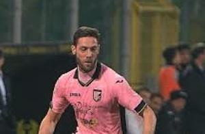 Palermo, stiramento per il terzino Rispoli: contro il Milan non giocherà
