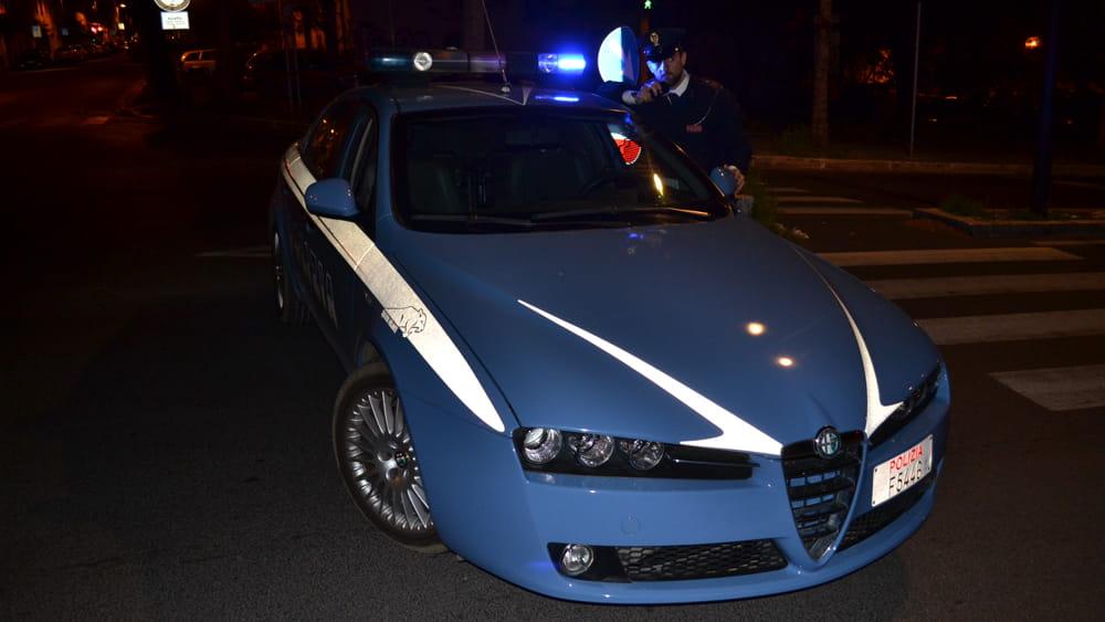 Siracusa, poliziotti sedano una rissa ma vengono aggrediti