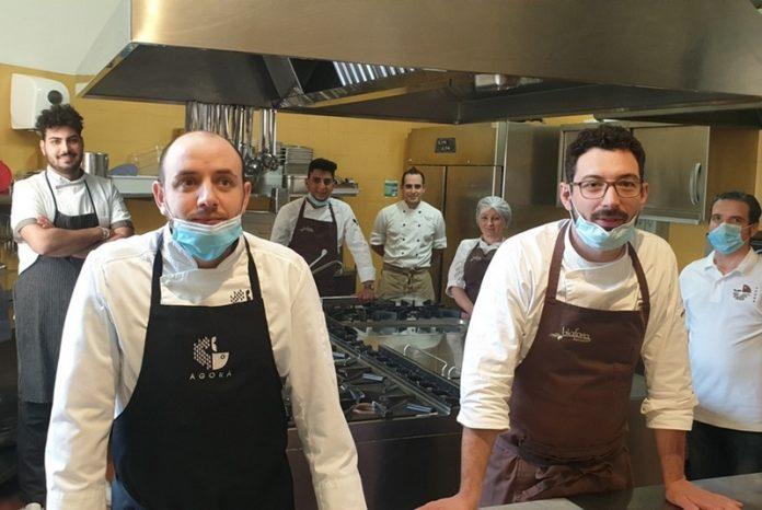 Chef preparano 7 mila pasti per i bisognosi: iniziativa della società di calcio Vibonese