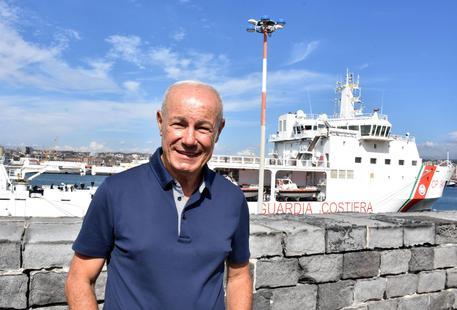 """Il sindaco di Pozzallo: """"Stop ai trasferimenti di migranti da Lampedusa"""""""