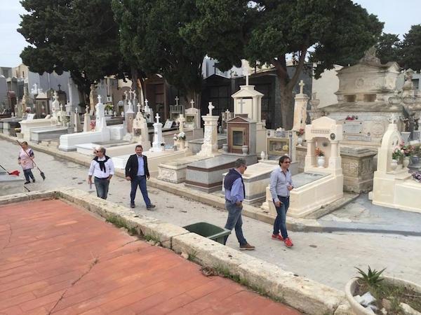 Pachino, gestione dell'area cimiteriale: continuano le polemiche