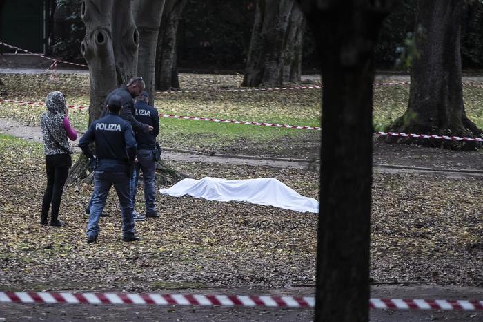 Roma, ucciso trans a coltellate: un fermato