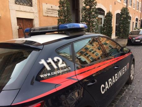 Si fingevano top manager per truffare banche e Inps: 5 arresti a Roma