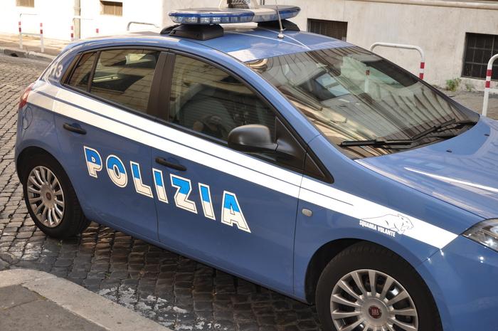 Roma, spara alla moglie e la uccide, ferisce il figlio e poi si suicida