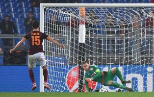 """Roma """"batticuore"""", col Bayer vince 3 a 2"""