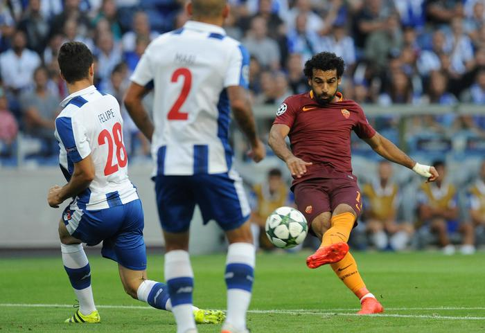 La Roma in 10 per 50 minuti strappa l' 1 a1 al Porto
