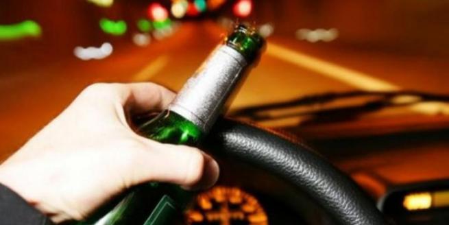 Romeno ubriaco guida a folle velocità tra le vie di Vittoria
