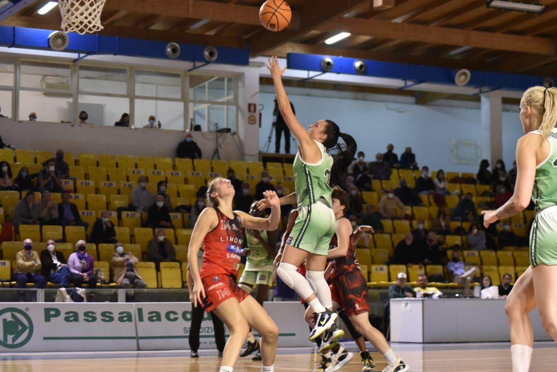 Basket donne, Ragusa continua a vincere: sotto il Costa Masnaga 97- 67