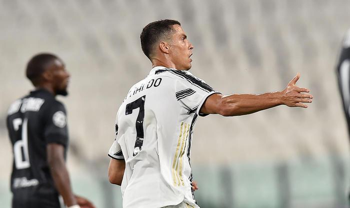 Televisione, boom di ascolti su Canale 5 per la partita Juventus-Lione