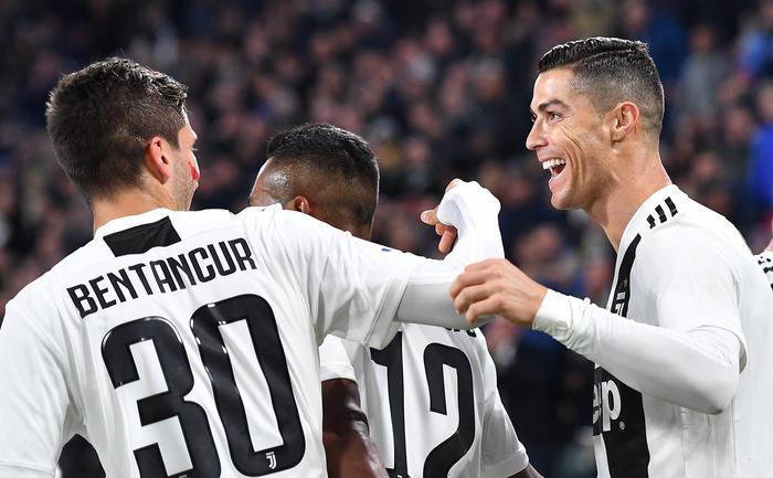 LaJuve continua a volare: sotto la Spal coi gol di Ronaldo e Mandzukic